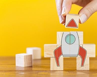 Swiss Risk & Care - Fusée construite en cubes